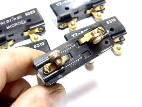 Lot of 5pcs HONEYWELL MICROSWITCH Pin Plunger YZ-R207-P26 SPDT Phenolic Switch, US $17.00 � Picture 2