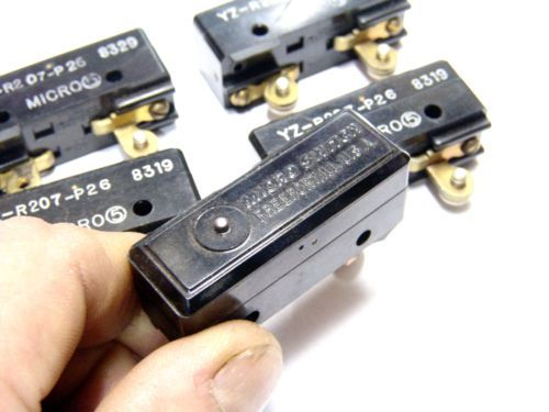 Lot of 5pcs HONEYWELL MICROSWITCH Pin Plunger YZ-R207-P26 SPDT Phenolic Switch, US $17.00 � Picture 3