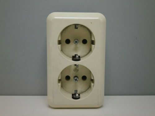 German Eu 250v 16a 2 Pole Double Duplex Socket Outlet Receptacle