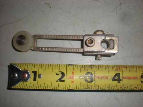 "Limit switch lever arm with 3/4"" diameter roller and hub for 5/16"" shaft"