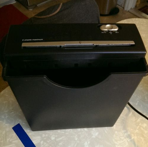 Paper shredder 6 sheet with waste basket bin model ss6054 works!