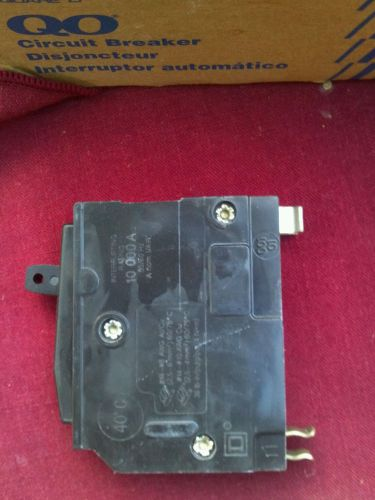 Square d circuit breaker 20a 120v type qo220  new