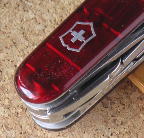 Tinker delux victorinox swiss army knife very good cond. p208