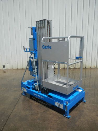 Genie iwp-25s portable dc powered vertical mast scissor jlg man lift