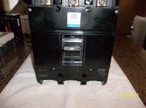 Westinghouse  3 pole 200 amp 600 volt circuit breaker � Picture 1