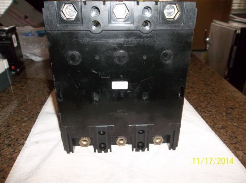 Westinghouse  3 pole 200 amp 600 volt circuit breaker � Picture 3