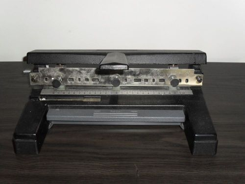 Acco swingline heavy duty 3-hole punch-vg condition
