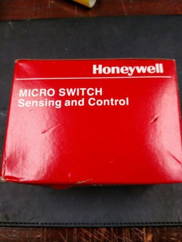 BZE6-RNX1 Electromechanical Switches, MICRO SWITCH&#8482, Limit Switches,, US $69.95 � Picture 3