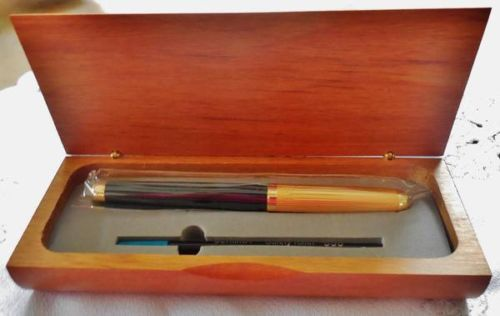 Exclusive Dani black&gold Ballpoint Pen in wood Case new � Picture 4