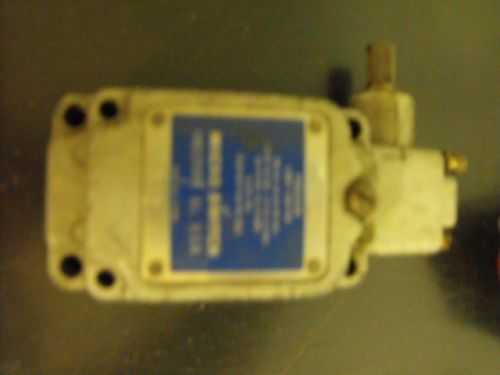 Micro Switch?Precision Limit Switch, Pilot Duty 600v max, US $20.00 � Picture 3