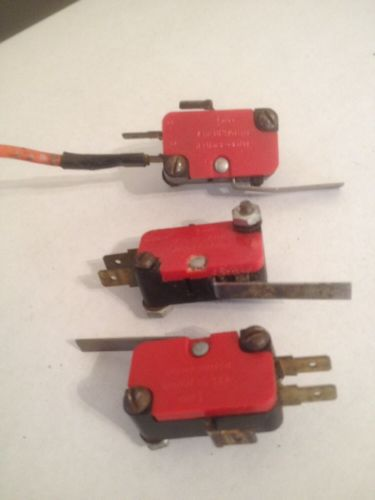 Set Of Theee Used Unimax Snap Switches � Picture 3