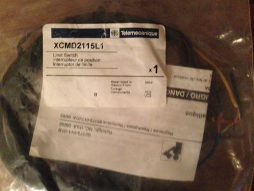 Lot of 2 Telemecanique 021841 XCMD2115L1 OSISWITCH LIMIT ROLLER SWITCH 240V 6A, US $119.00 – Picture 2