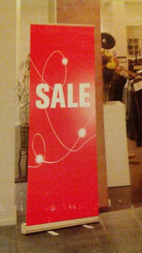 "Banner stand 33"" x 80"" ""SALE"" Metrix retractable � Picture 1"