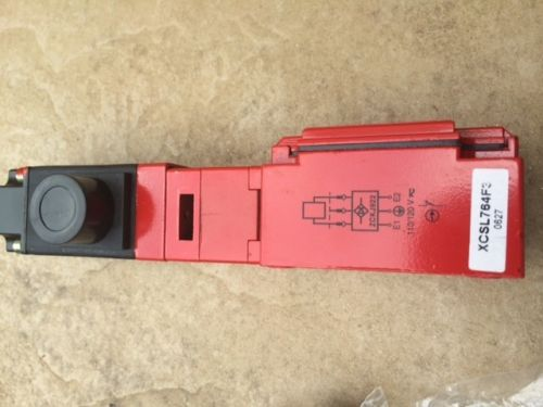 TELEMECANIQUE XCS-L / XCSL764F3 SAFETY INTERLOCK LIMIT SWITCH NEW, US $51.99 � Picture 5