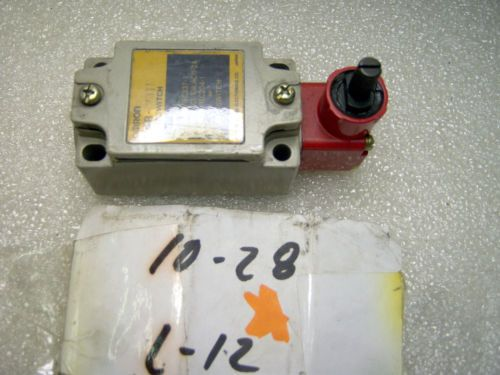 (z 10-28 L12) 1 OMRON D4B-2311 SAFETY SWITCH, US $32.22 � Picture 2