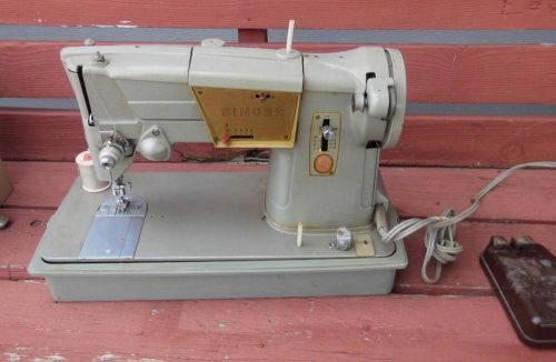 Sewing Machines & Tools (Clothing & Textile Machinery) for