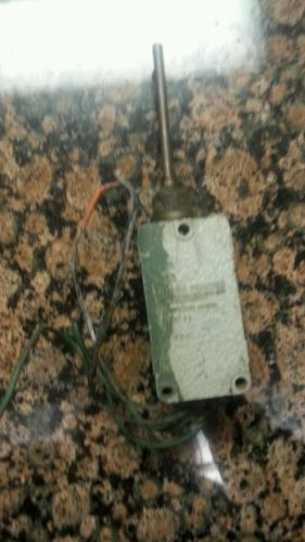 Micro Switch by Honeywell 208LS1 Precision Limit Switch - serial #2 - USED, US $39.00 – Picture 10