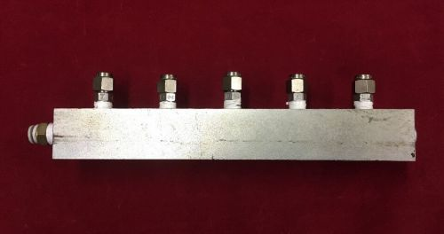 Air pneumatic manifold with (5) ports and 6x4mm fittings