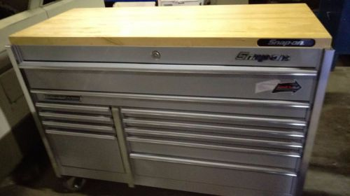 Very nice snap-on 11 drawer roll around tool cabinet model krl722apks  silver